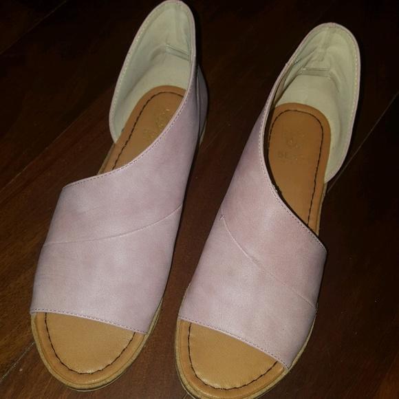 Shoes - Rose Slides, Size 7